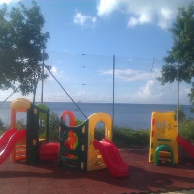 elastischer-gummiboden-fitnessboden-elastik-gummigranulat-fliese-platte-fitness-fallschutz-outdoor-spielplatz-3