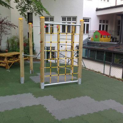 elastischer-gummiboden-fitnessboden-elastik-gummigranulat-fliese-platte-fitness-fallschutz-outdoor-spielplatz
