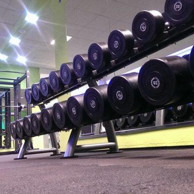 elastischer-gummiboden-fitnessboden-elastik-gummigranulat-fliese-platte-fitness-gerätebereich-freihantelbereich-1