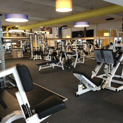 elastischer-gummiboden-fitnessboden-elastik-gummigranulat-fliese-platte-fitness-gerätebereich-freihantelbereich-10