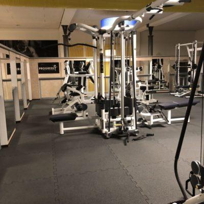 elastischer-gummiboden-fitnessboden-elastik-gummigranulat-fliese-platte-fitness-gerätebereich-freihantelbereich-12