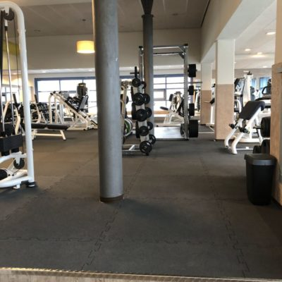 elastischer-gummiboden-fitnessboden-elastik-gummigranulat-fliese-platte-fitness-gerätebereich-freihantelbereich-9
