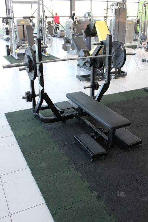 elastischer-gummiboden-fitnessboden-elastik-gummigranulat-fliese-platte-fitness-gerätebereich-freihantelbereich-antishock-2