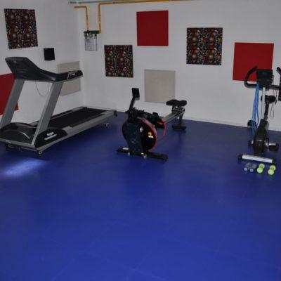 fitnessboden-jp-active-pvc-fliese-platte-geräte-kraftraum-freihantel-kurzhantel-gewichte-aerobic-trx-cardio-funktionale-zone-sport-fitness-8