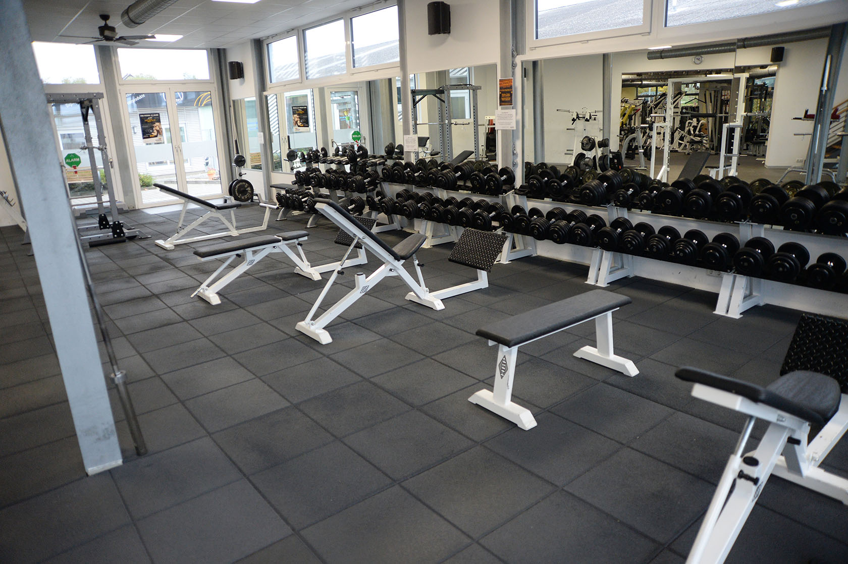 fitnessstudio boden sportboxen pvc kunststoff j ger plastik. Black Bedroom Furniture Sets. Home Design Ideas