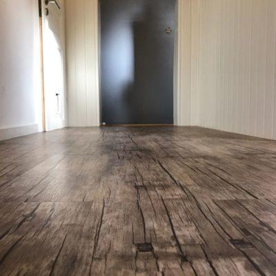 industrieboden-gewerbeboden-contract-planke-holzlook-pvc-planke-platte-büro-wohnen-10