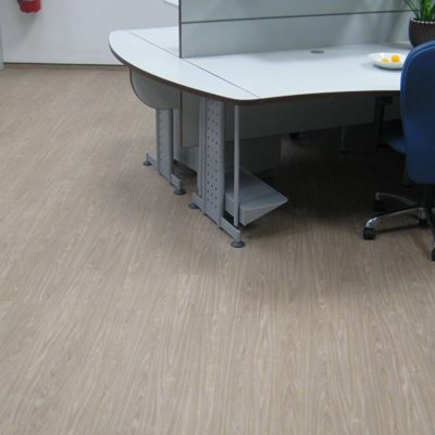 industrieboden-gewerbeboden-contract-planke-holzlook-pvc-planke-platte-büro-wohnen-12