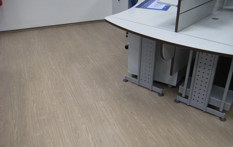 Pvc Fußbodenbelag Holzoptik ~ Büroboden gewerbeboden aus pvc fliesen platten jäger plastik