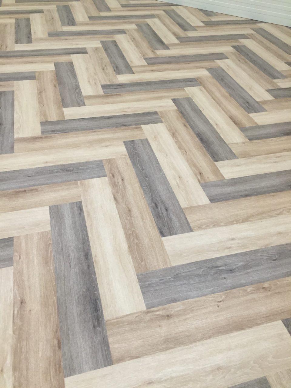 industrieboden-gewerbeboden-contract-planke-holzlook-pvc-planke-platte-büro-wohnen-4