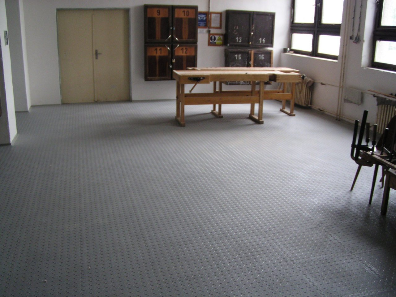 office tile flooring. A Good Design For The Commercial Floorings Should Rather Be Conservative And Emphasize Small Features Only Sporadically. Large Patters In Office Spaces Tile Flooring I