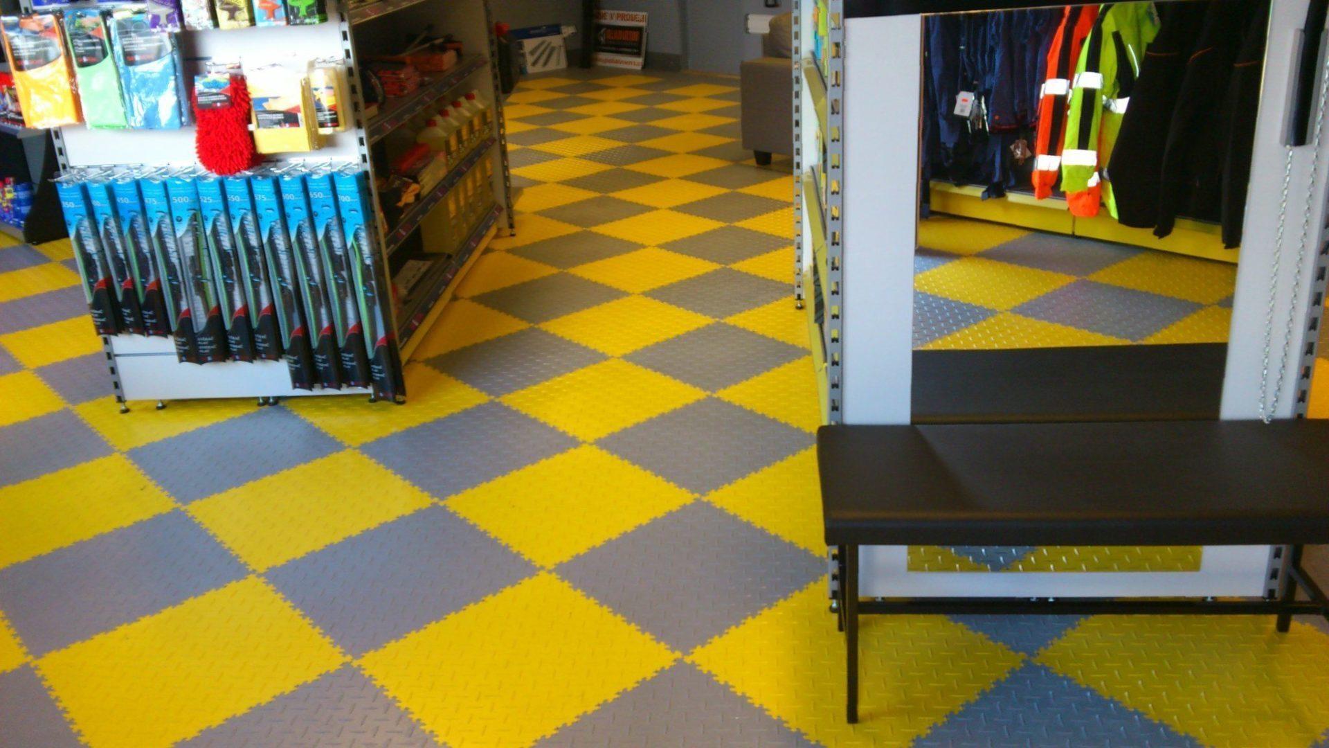 pvc auf fliesen cheap fliesen fuboden with pvc auf. Black Bedroom Furniture Sets. Home Design Ideas