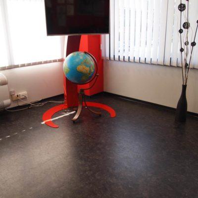 industrieboden-gewerbeboden-luxury-steinoptik-pvc-fliese-platte-büro-wohnen-2