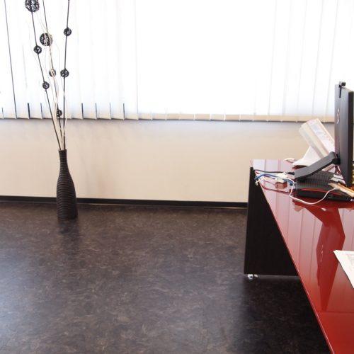 industrieboden-gewerbeboden-luxury-steinoptik-pvc-fliese-platte-büro-wohnen-3