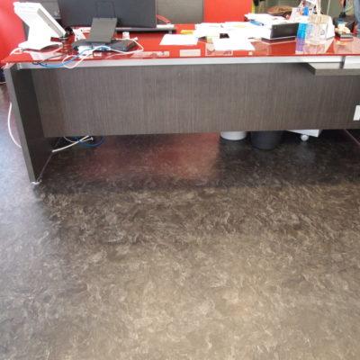 industrieboden-gewerbeboden-luxury-steinoptik-pvc-fliese-platte-büro-wohnen