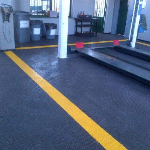 industrieboden-kfz-boden-werkstatt-showroom-standard-pvc-fliese-platte-garage-3
