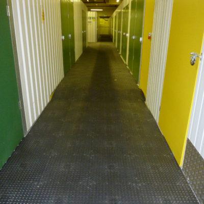 industrieboden-kfz-boden-werkstatt-showroom-standard-pvc-fliese-platte-lager-10
