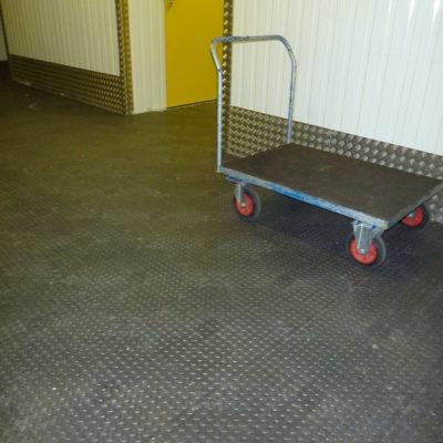 industrieboden-kfz-boden-werkstatt-showroom-standard-pvc-fliese-platte-lager-14