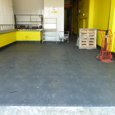 industrieboden-kfz-boden-werkstatt-showroom-standard-pvc-fliese-platte-lager-19