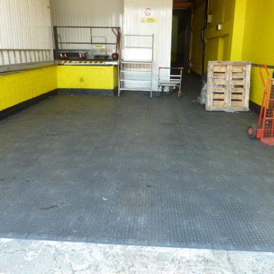 industrieboden-kfz-boden-werkstatt-showroom-standard-pvc-fliese-platte-lager-20