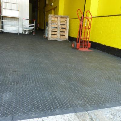 industrieboden-kfz-boden-werkstatt-showroom-standard-pvc-fliese-platte-lager-22