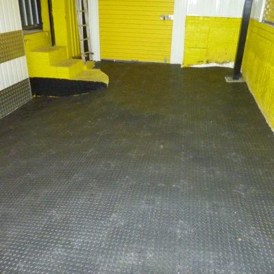 industrieboden-kfz-boden-werkstatt-showroom-standard-pvc-fliese-platte-lager-3