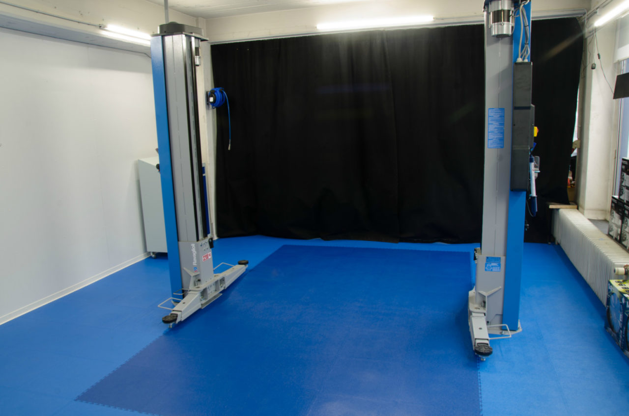 Workshop Floor Car Floor Made Of Pvc Tiles Panels Jger Plastik