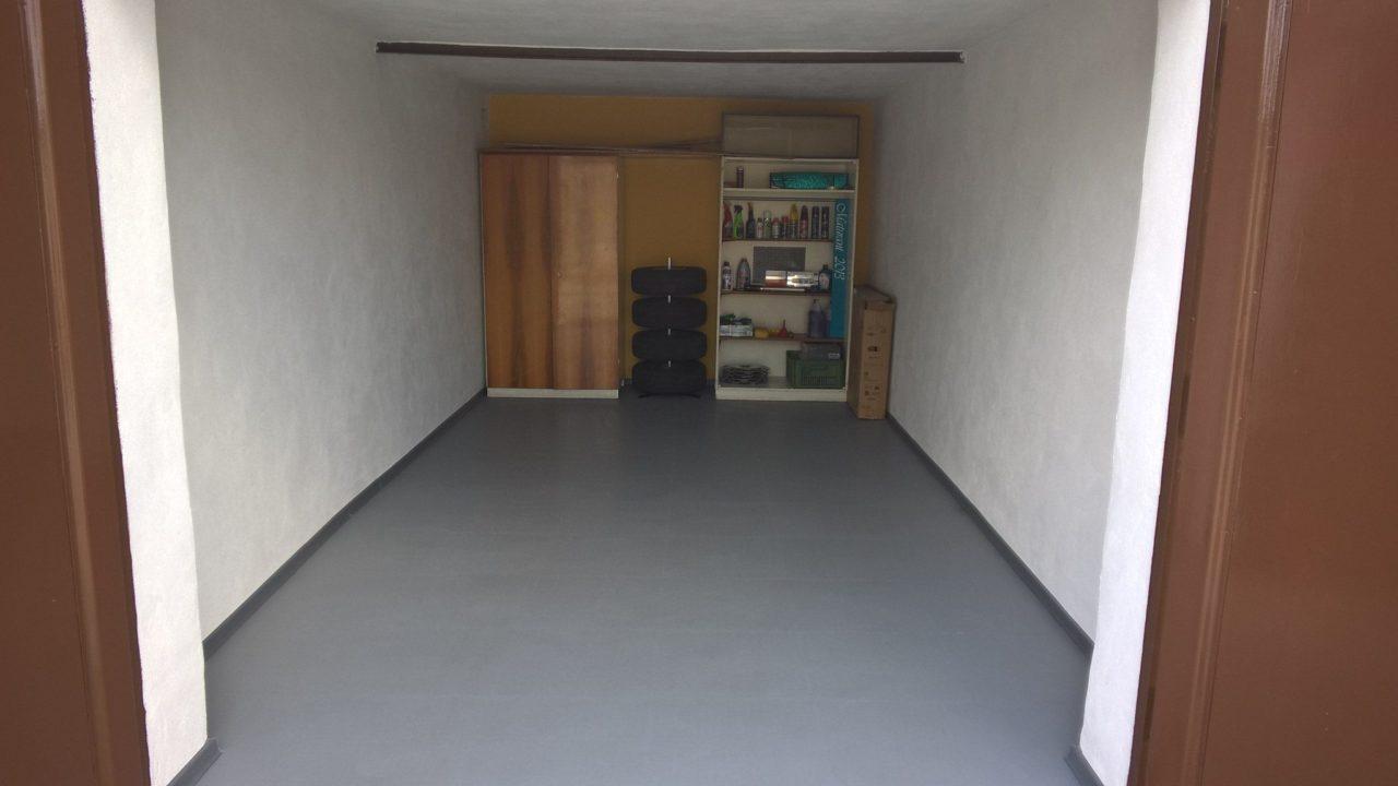 garagenboden fliesen fkh. Black Bedroom Furniture Sets. Home Design Ideas