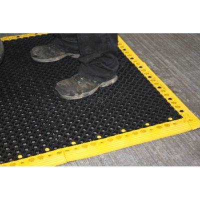 industrieboden-outdoorboden-universal-pvc-fliese-platte-rutschfest-schwimmbad-außenbereich-5