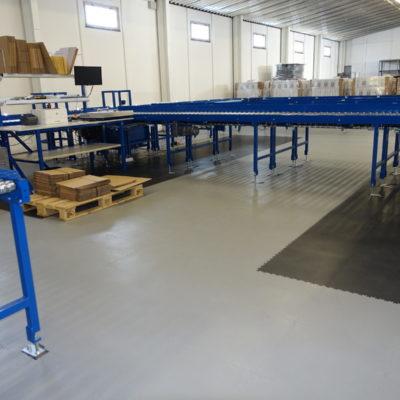 industrieboden-werkstatt-jp-mechanic-pvc-fliese-platte-produktion-fertigung-industriehalle-gabelstaplerbefahrbar-8