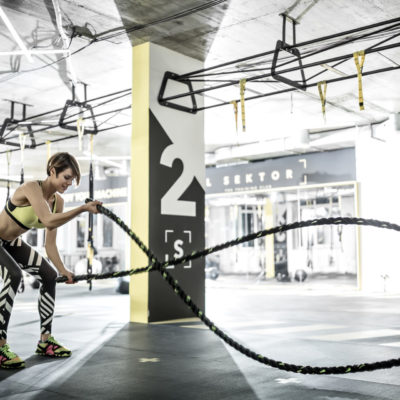 pvc-fliese-boden-platte-jp-sports-anthrazitgrau-orangenhaut-verdeckte-verbindung-fitness-sport-fitnessstudio-training-trx-cardio-8